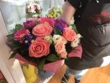 Империя роз, Сеть цветочных магазинов